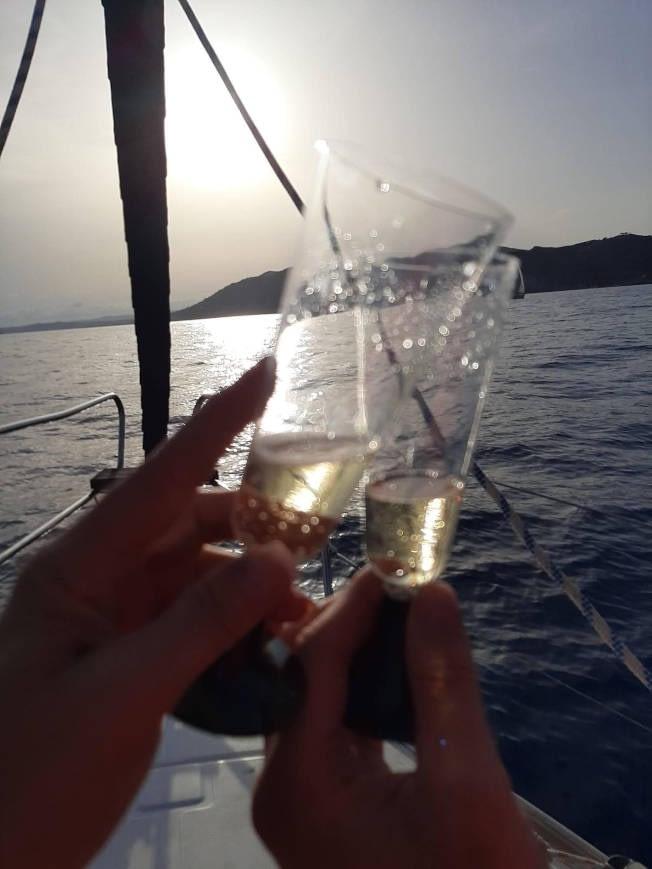 Pack puesta de sol + dormir en velero