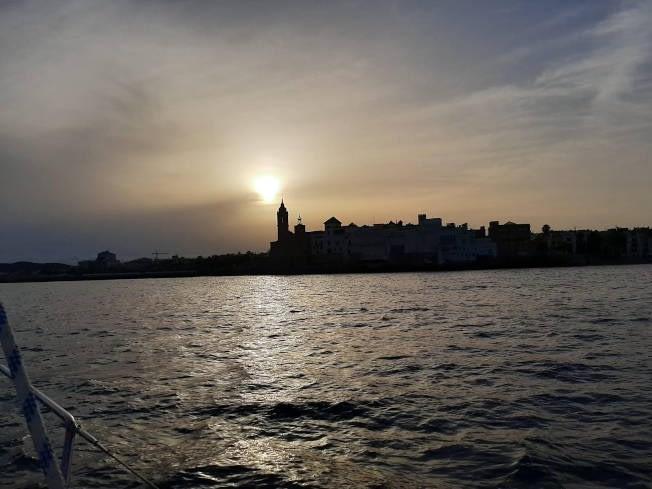 Salida romántica a la puesta de sol